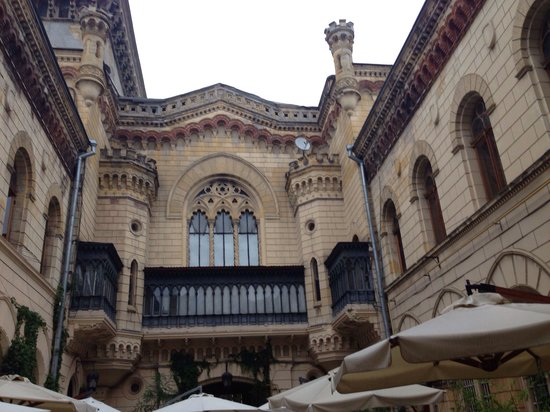Odessa Regional Philharmonic Society: Ресторан Бернадацци,находится в Филормонии