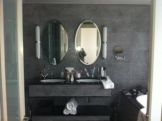 Hotel DeBrett: Great tiles and supplies!