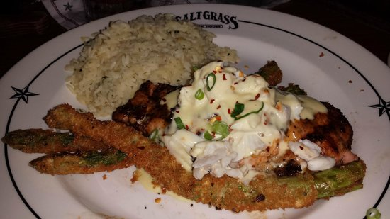 Saltgrass Steak House: Salmon with crusted asparagus