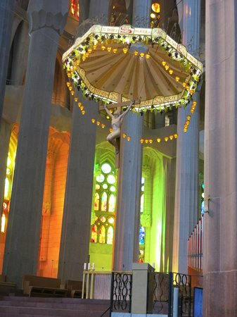 ForeverBarcelona: Above the altar of the Sagrada Familia