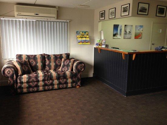 Grand Hotel Rotorua: Reception - Lobby
