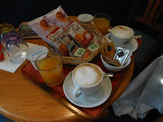 Tamara's Suites : The breakfast