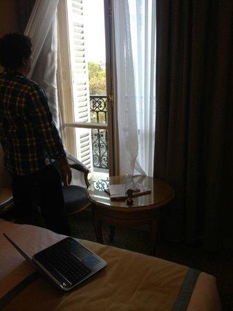 Hôtel Splendid Etoile : Vista da janela do quarto