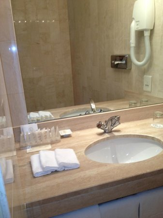 Splendid Etoile Hotel: banheiro