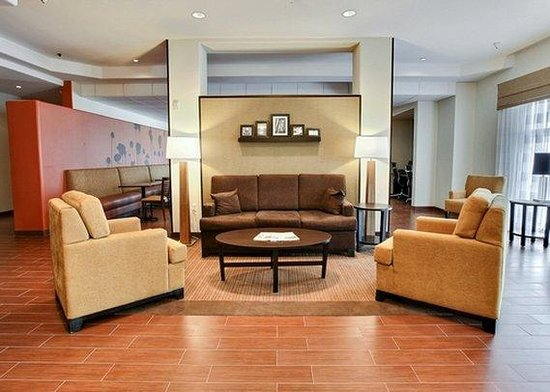 Sleep Inn & Suites: OKSeating Area