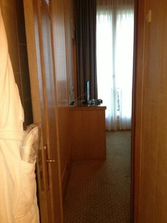 Hôtel Splendid Etoile : Vista de uma parte do segundo quarto
