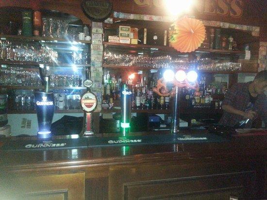 O'Reilly's Irish Pub: Bar counter