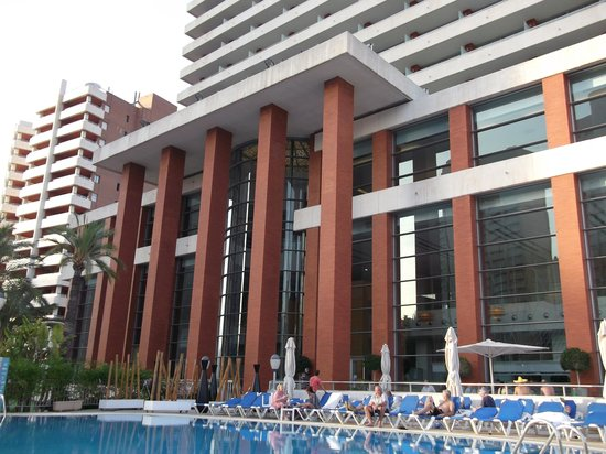 Hotel Levante Club & Spa : hotel from pool