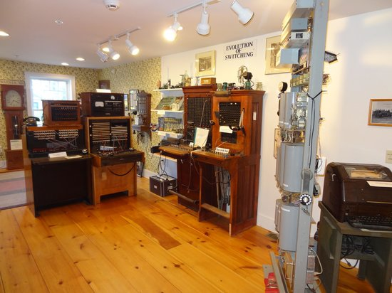 New Hampshire Telephone Museum: Switchboards