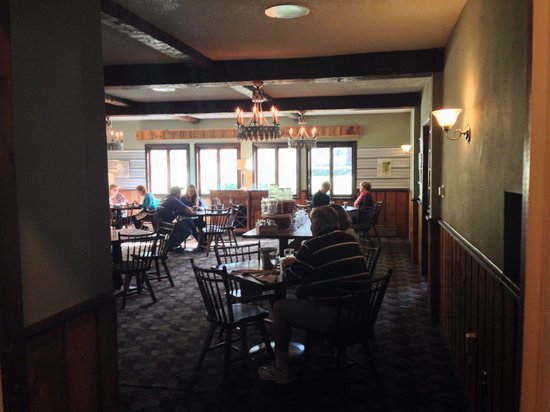 The Upper Pass Lodge : Dining Room