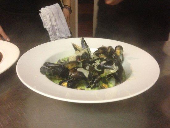 Blue Ball Restaurant : Moules