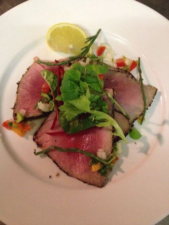 Blue Ball Restaurant : Tuna carpaccio