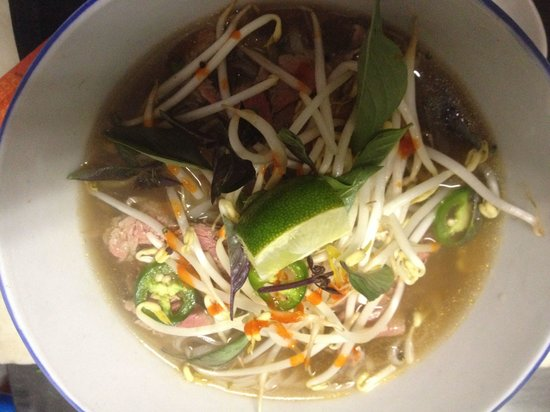 LuLu's at The Thompson House : Vietnamese beef noodle soup...Pho