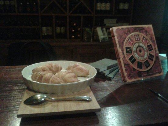 Cornetti Salati Ripieni Di Formaggio Foto Di Happyplanet Cafe