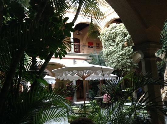 Hotel CasAntica: Excelente ubicación y atención