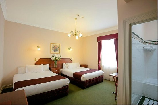 Palais Royale Blue Mountains: Deluxe Family Room