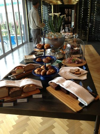Majeka House : Breakfast buffet & a hot meal too!