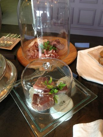 Majeka House: Meats at breakfast buffet
