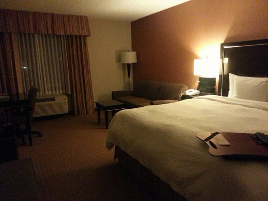 Hampton Inn Portland-Airport: Room on 4th floor