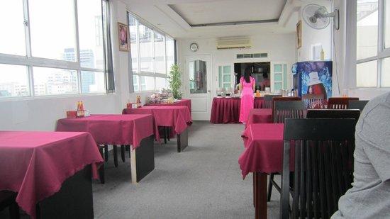 DDA Hotel District 1 (BIZU) : 用早餐區