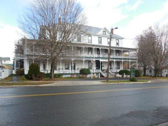 Highland Inn in November