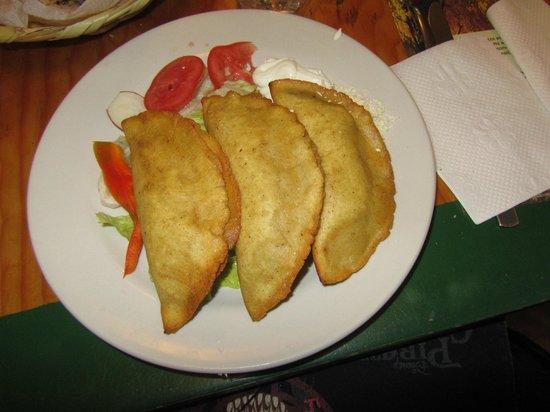 Yug: quesadillasen mantas con fiori di zucca