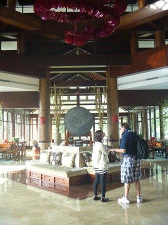 Yangshuo Resort: Main lobby