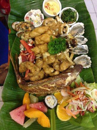 Breakas Beach Resort Vanuatu: Seafood Platter! Awesome!