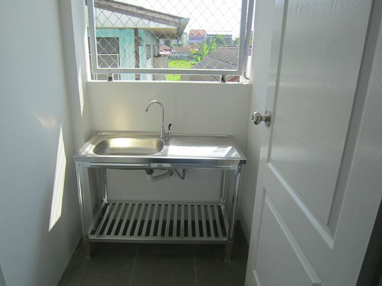Grandma Kaew House: Handy Utility Room