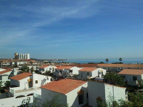 VIK Gran Hotel Costa del Sol: links das Hotel,rechts davon die Umgebung