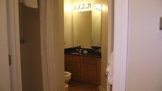 Laurel Crest : shower side of bathroom