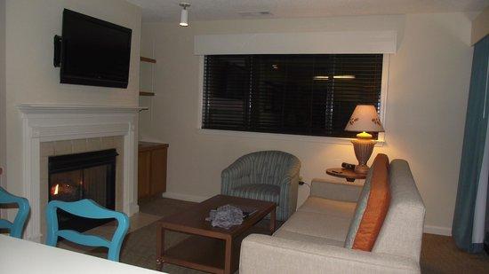 Laurel Crest : living room