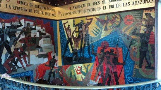 Palacio de Gobierno: Mosaico que homenageia o desbravamento da Amazônia Equatoriana.