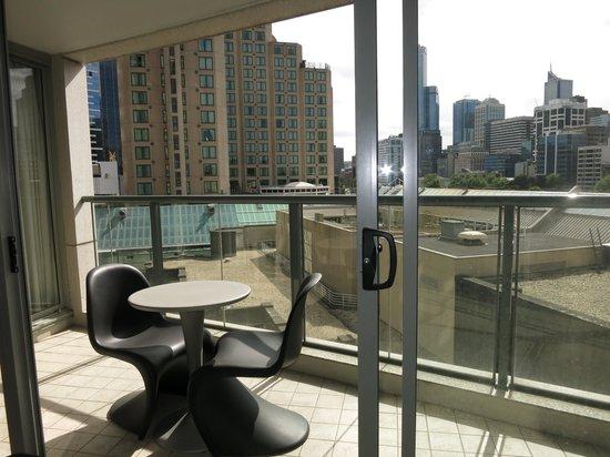 QUAY WEST MELBOURNE: Balcony of 1-Bedroom Superior Suite