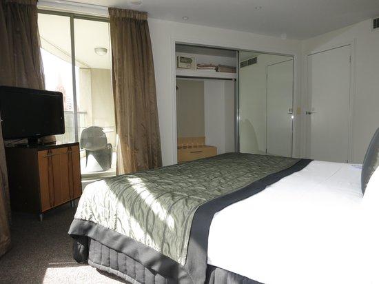 Quay West Suites Melbourne: QUAY WEST MELBOURNE: 1-Bedroom Superior Suite