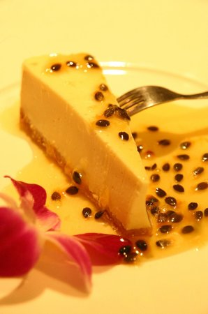 Karlsson Restaurant & Steak House: Passion Fruit cheesecake
