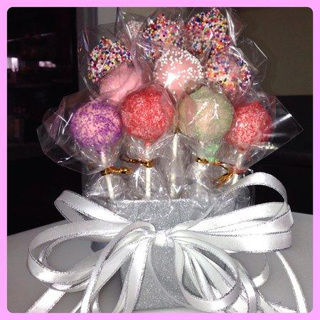 Bedford Cupcakes: Cake Pop Bouquet