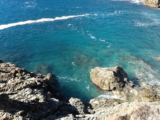 Biking Trails Levanto - Framura : Beautiful water at Bonasolla (sp?)