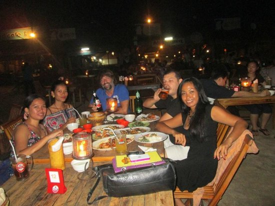 Nyoman Cafe Jimbaran: Nyoman Cafe by night