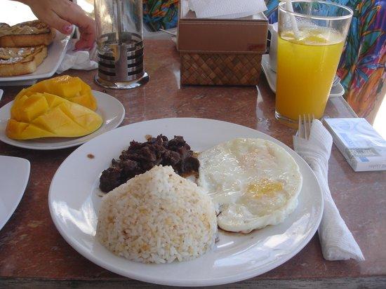 Ariel's House: Филиппинский завтрак
