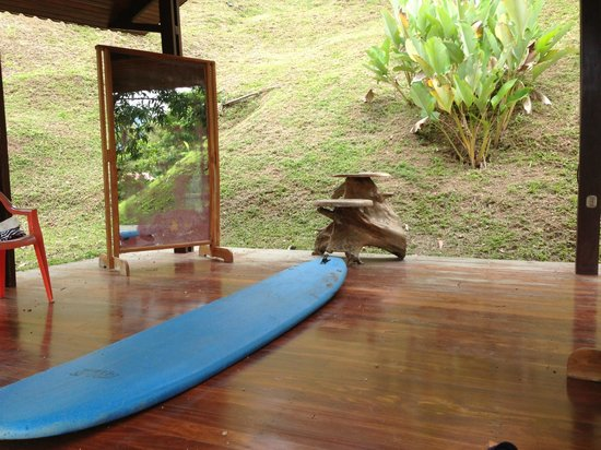Vista Guapa Surf Camp: Practice Bungalow