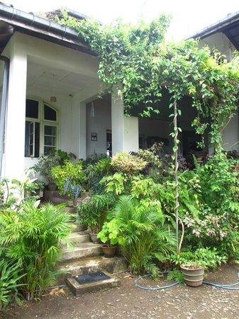 Halgolla Plantation Home: Halgolla verandah