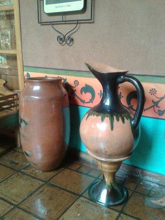 Hotel Casa del Refugio: Cada rincón con artesanía mexicana.