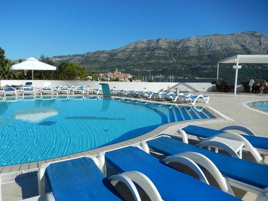 Marko Polo Hotel: Swimming pool