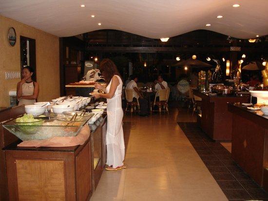 Boracay Regency Restaurant: Шведский стол в ресторани Регенси