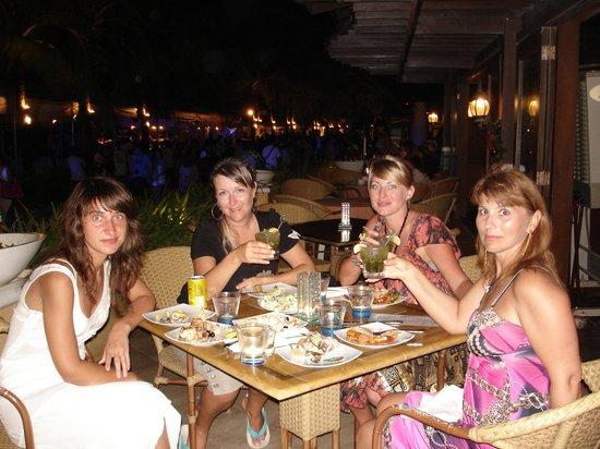 Boracay Regency Restaurant: Ужин удался на славу