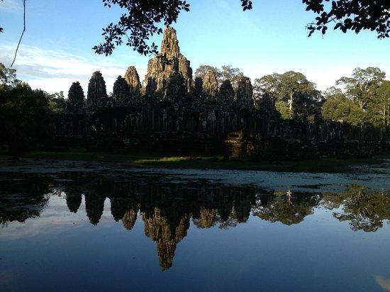 Bun Long Tuk Tuk - Day Tours: The reflection of bayon
