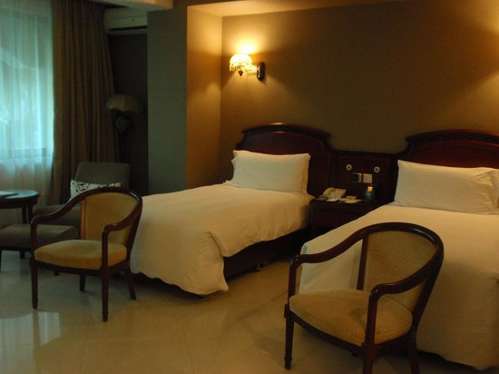 DoubleTree by Hilton Dar es Salaam-Oysterbay: Habitación