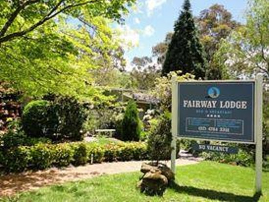 Fairway Lodge: From the front