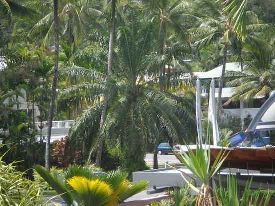 Peninsula Boutique Hotel : Hi Tide Restaurant overlooking the ocean view - fab location